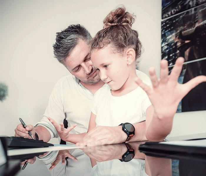 Als Versicherungsmakler unterstütze ich Dich dabei die passende Absicherung für deine Kinder zu finden.